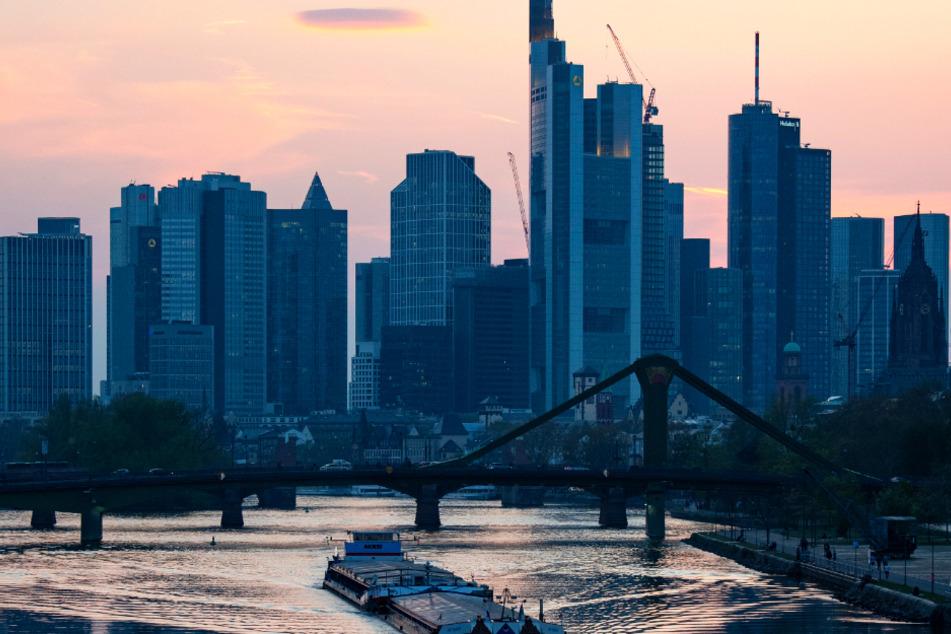 Die Mainmetropole Frankfurt hat sich zu einem Corona-Hotspot entwickelt.