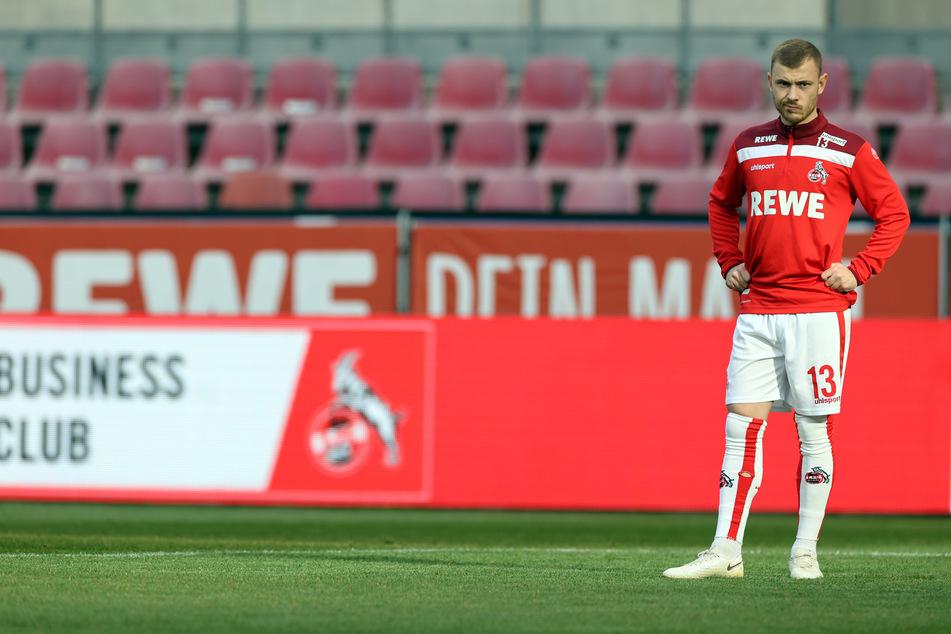 Statt des Uhlsport-Schriftzugs könnte die Ausrüstung des 1. FC Köln bald ein neues Logo zieren.