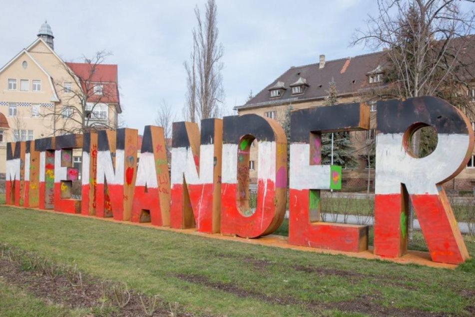 Rechte Sudelei auf Denkmal in Heidenau