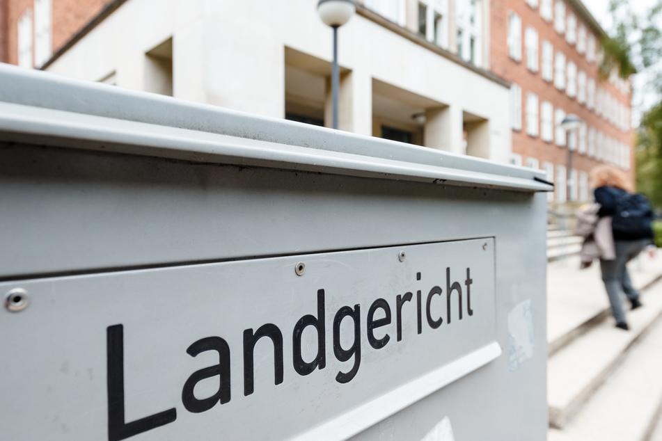 Flüchtling in Kieler Unterkunft erstochen: 33 Messerstiche aus Notwehr?