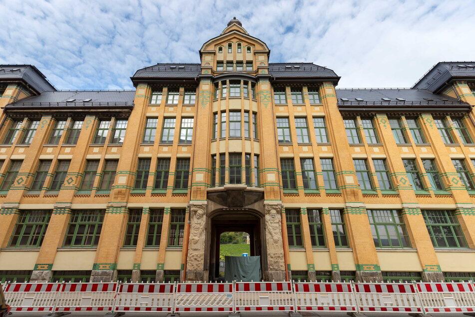 Seit 2016 saniert die Stadt Aue-Bad Schlema das Hauptgebäude der ehemaligen Auer Besteck- und Silberwarenwerke, besser bekannt als Wellner-Fabrik.