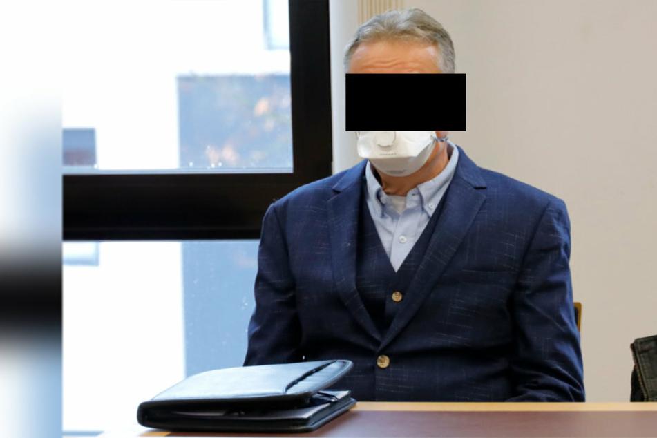 Arzt Horst P. (58) weigerte sich mit Gewalt, einen Einkaufswagen zu benutzen.