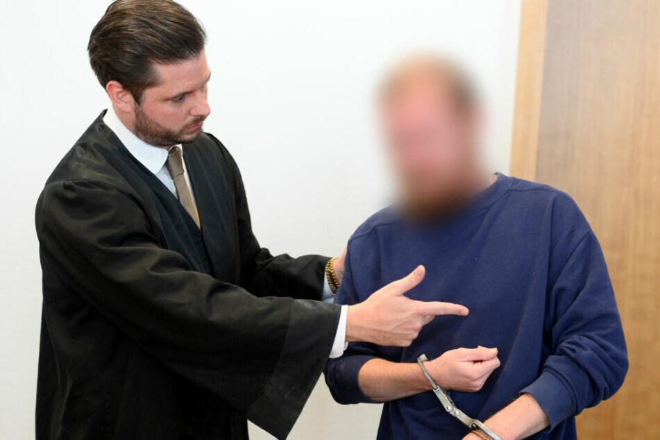 Eltern mit Klappmesser getötet: Sohn legt unfassbares Geständnis ab