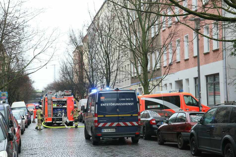 Zwei Personen wurden durch das Feuer verletzt.
