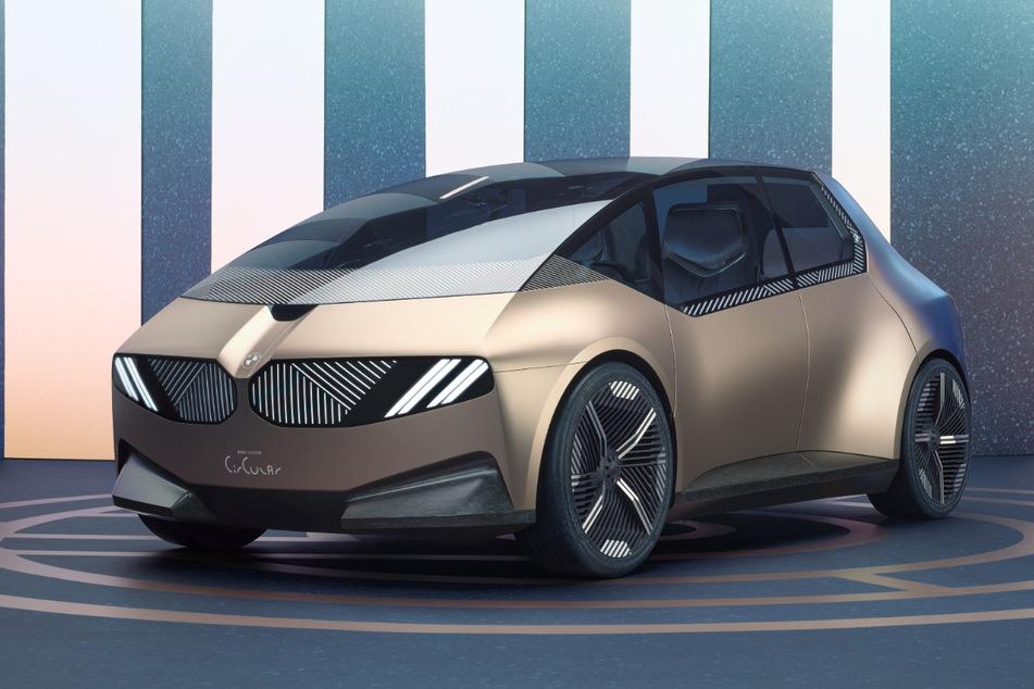 Die Karosserie des BMW i Vision Circular besteht aus wiederverwertetem, nicht lackiertem Aluminium und Stahl.