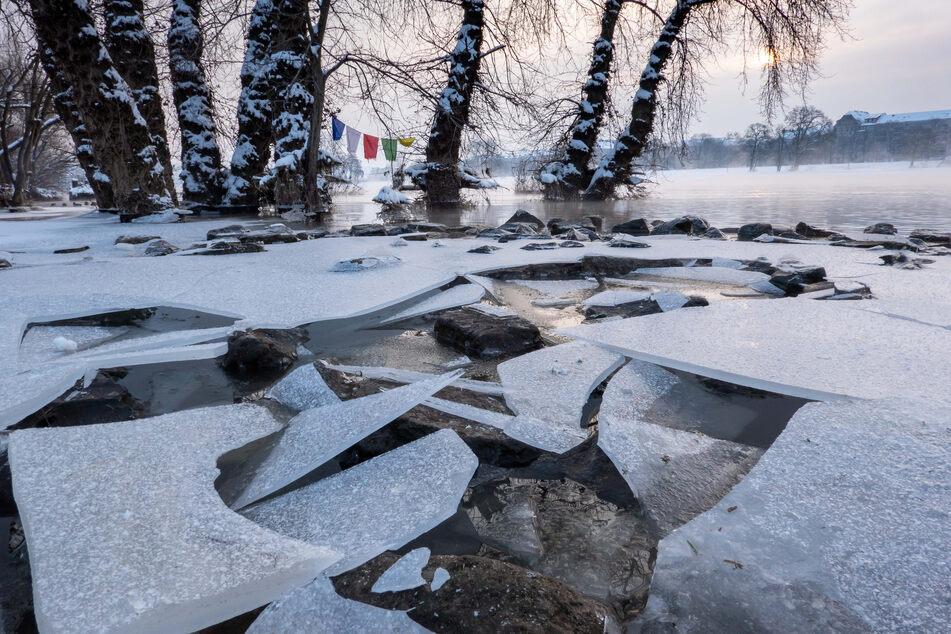 """Auf der Elbe wird in den nächsten Tagen sogenannter """"Eisgang"""" erwartet."""