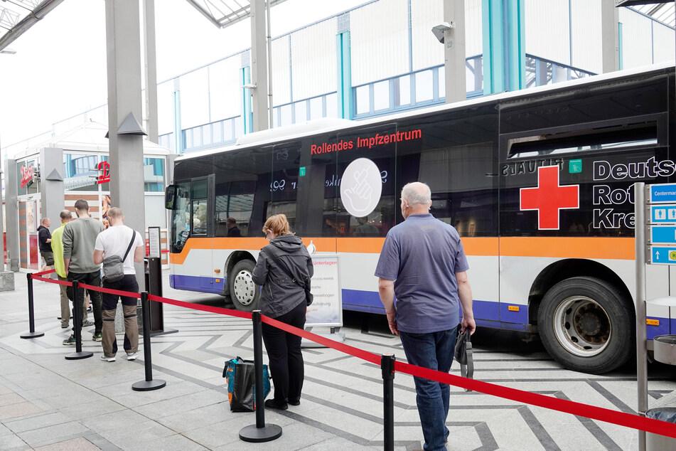 Ein mobiler Impfbus, wie hier am vergangenen Wochenende im Chemnitz Center, wird am Donnerstag auch vor dem CFC-Stadion stehen.