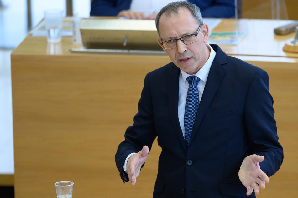 """Sachsen-AfD sieht keine Corona-Pandemie und fordert: """"Endlos-Lockdown beenden"""""""