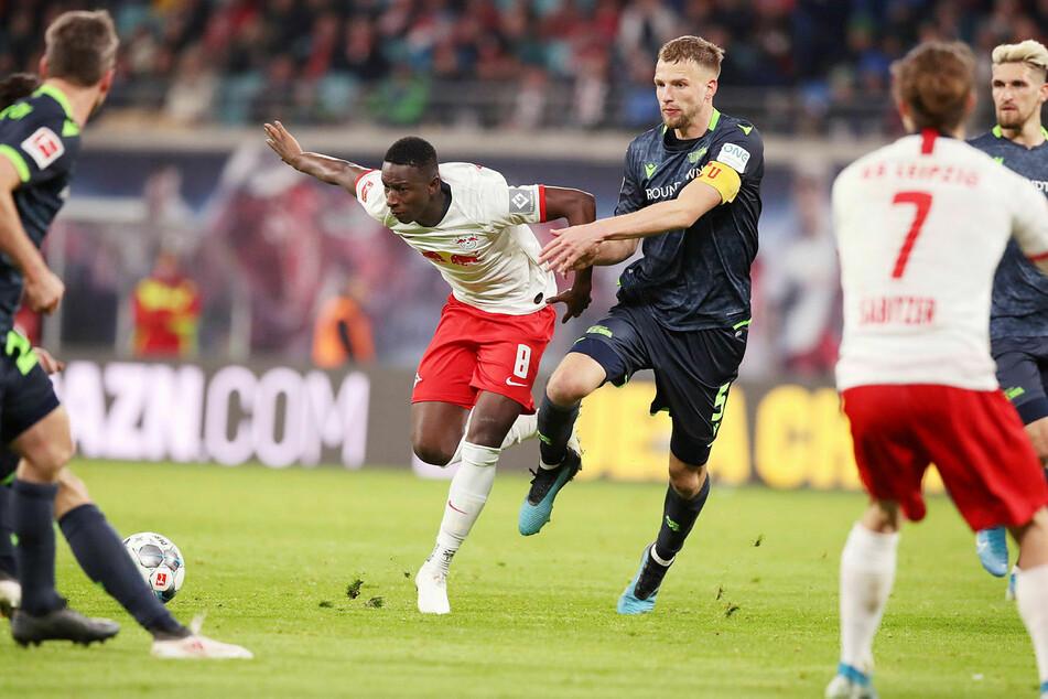 Als Tabellenfünfter reist der 1. FC Union Berlin am Mittwoch zum Topspiel zu RB Leipzig.