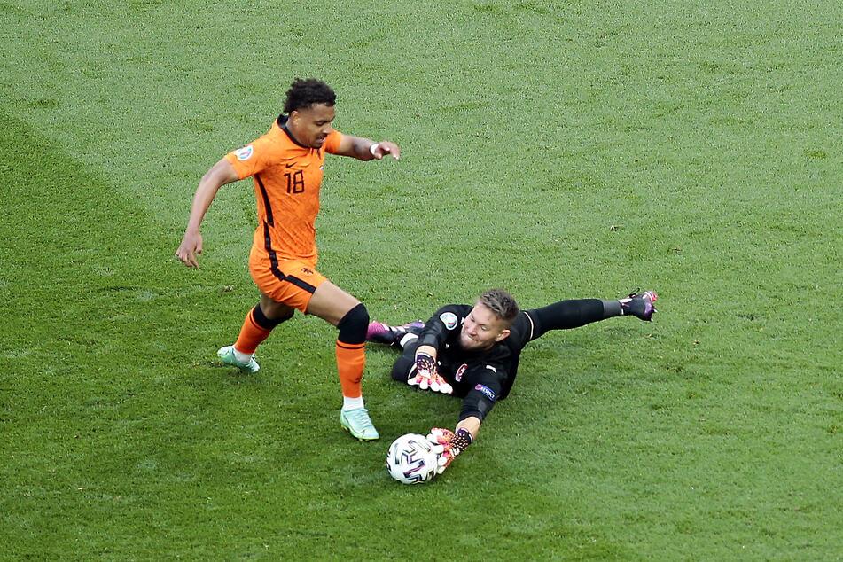 Donyell Malen (22) und der BVB. Das Interesse besteht wohl schon seit geraumer Zeit. Kann sich die Borussia den Offensivakteur nach dessen Auftritten bei der EM allerdings noch leisten?