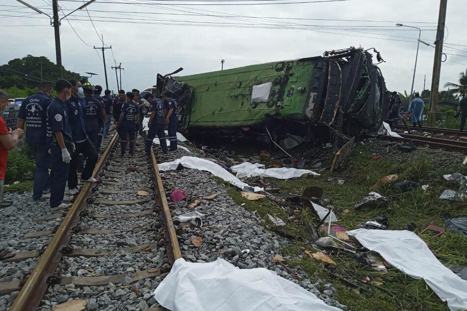 Mindestens 17 Menschen sind bei dem Unfall ums Leben gekommen.