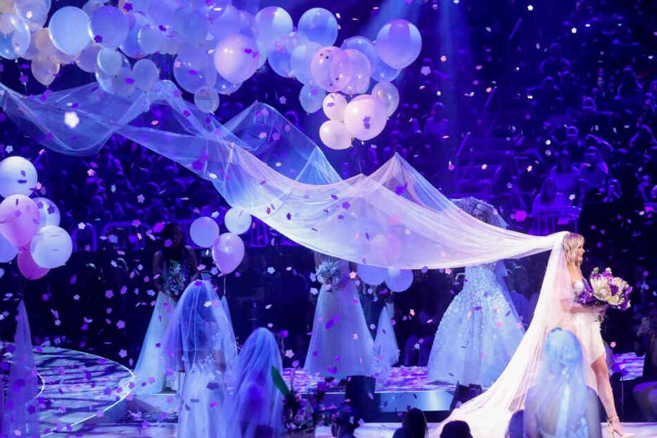 """Beim """"GNTM""""-Finale feierten die beiden eine symbolische Hochzeit."""
