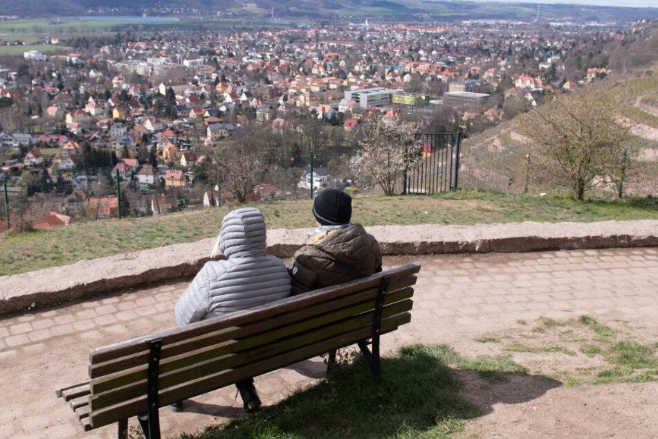 Die Aussicht vom Bismarckturm in Radebeul ist für halb Dresden noch erreichbar.