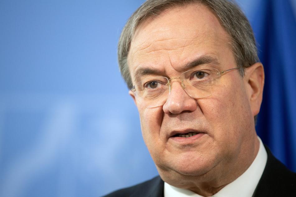 Ministerpräsident Armin Laschet (CDU) will auf einen bundesweiten Lockdown noch vor Weihnachten dringen.
