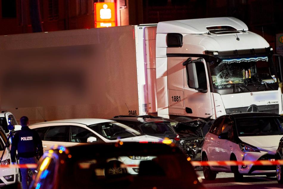 Lastwagen geklaut und in mehrere Autos gerammt: Gericht in Limburg prüft Anklage