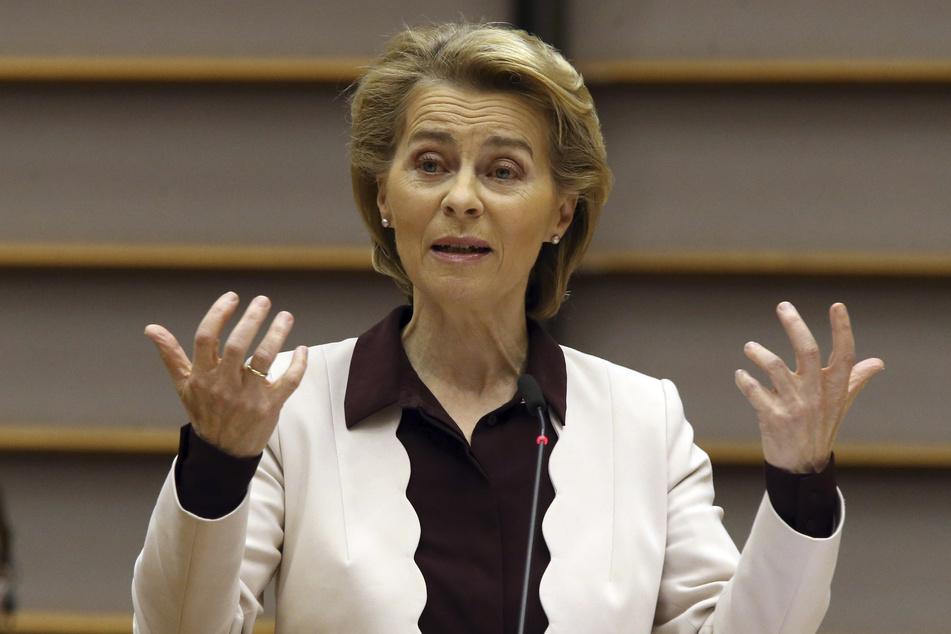 Ursula von der Leyen, Präsidentin der Europäischen Kommission, äußert sich im Europäischen Parlament.