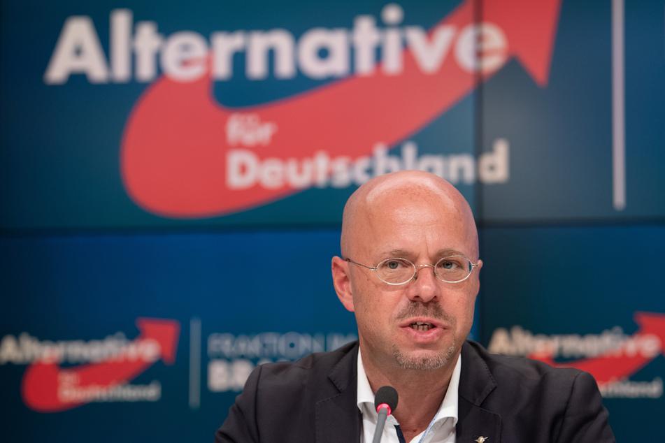 """Andreas Kalbitz hält seinen Namen auf einer alten Kontaktliste der """"Heimattreuen Deutschen Jugend"""" für möglich."""