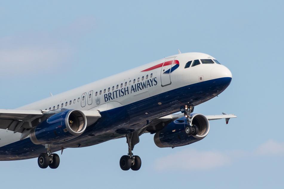 Ein Flugzeug der Airline British Airways.