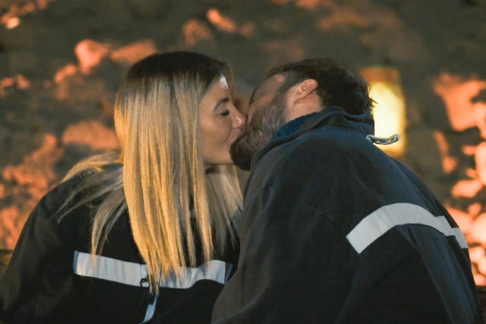 Stephie (25) darf erneut mit Bachelor Niko (30) knutschen.