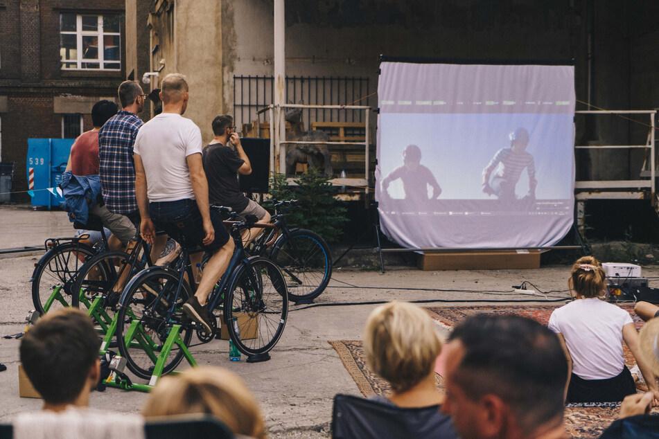 Für den Film abstrampeln! Fahrradkino im Erzgebirge