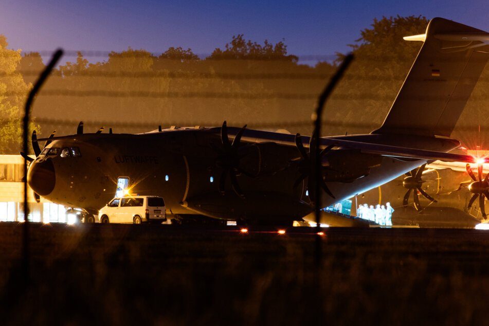 Die Bundeswehr hat einen Airbus A400M vom Stützpunkt in Wunstorf nach Mali gestartet.