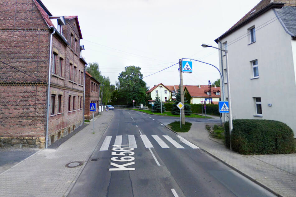 Auf diesem Fußgängerüberweg wurde am Freitagnachmittag ein zehnjähriges Kind von einem Lkw angefahren und schwer verletzt. (Archivbild)