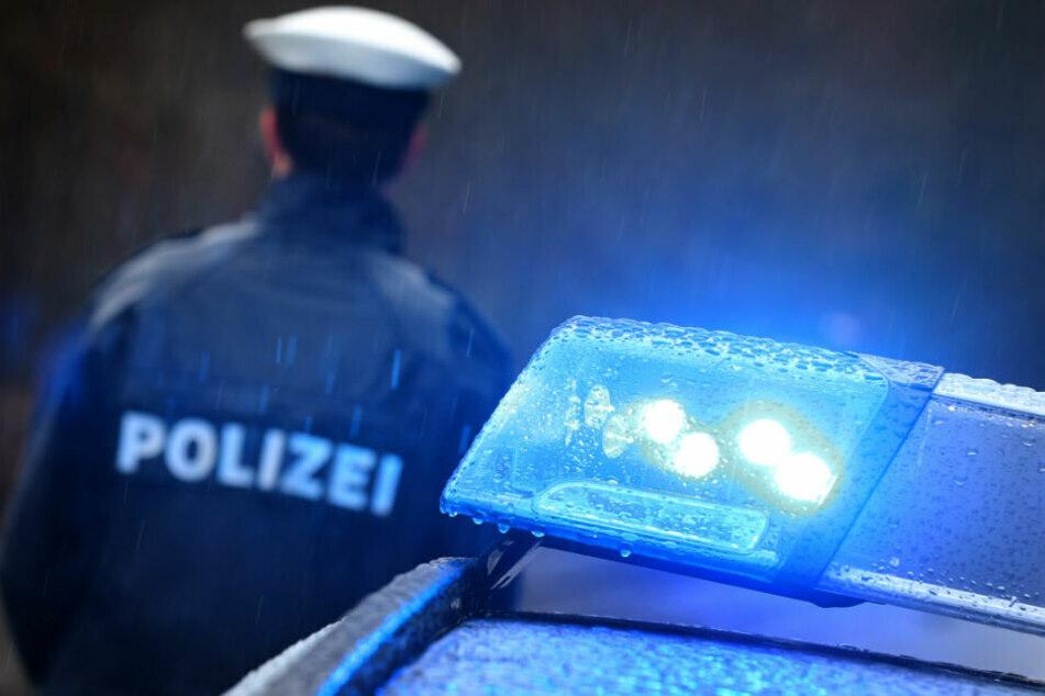 Autofahrer verletzt Zwillinge (5) schwer und flüchtet: Zeugen gesucht!