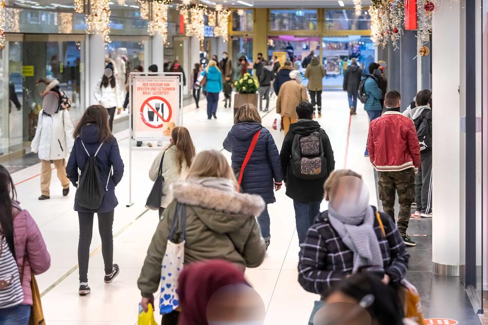 In einer großen Shopping-Umfrage will die Stadt Chemnitz herausfinden, wie die City attraktiver gemacht werden kann.