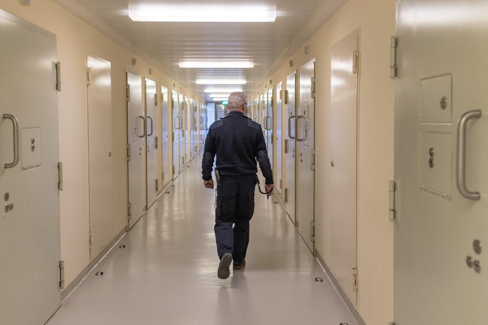 In Sachsen-Anhalt dürfen 26 Gefangene zu Weihnachten vorzeitig in die Freiheit wechseln - allerdings müssen Voraussetzungen erfüllt sein. (Symbolbild)