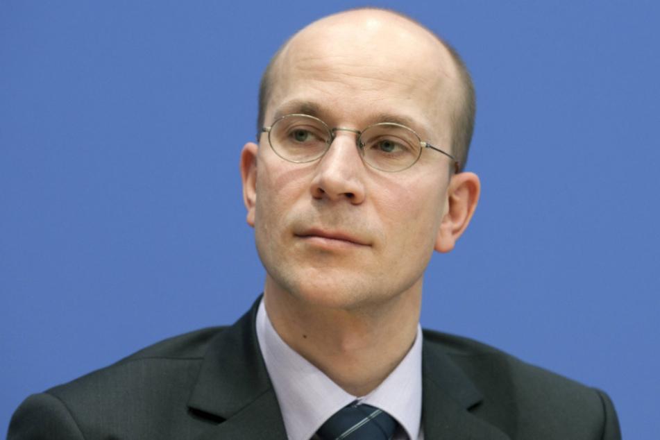 Ernste Miene: Andreas Peschke (50) ist der Leiter der Europaabteilung im Auswärtigen Amt. Er weiß, dass Corona die EU in eine tiefe Krise gestürzt hat.