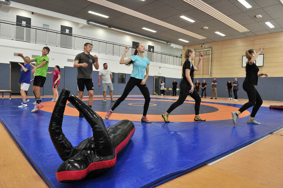 Für die Judoka und Handballer macht das Training im sanierten Sportkomplex an der Dittersdorfer Straße nun doppelt so viel Spaß.
