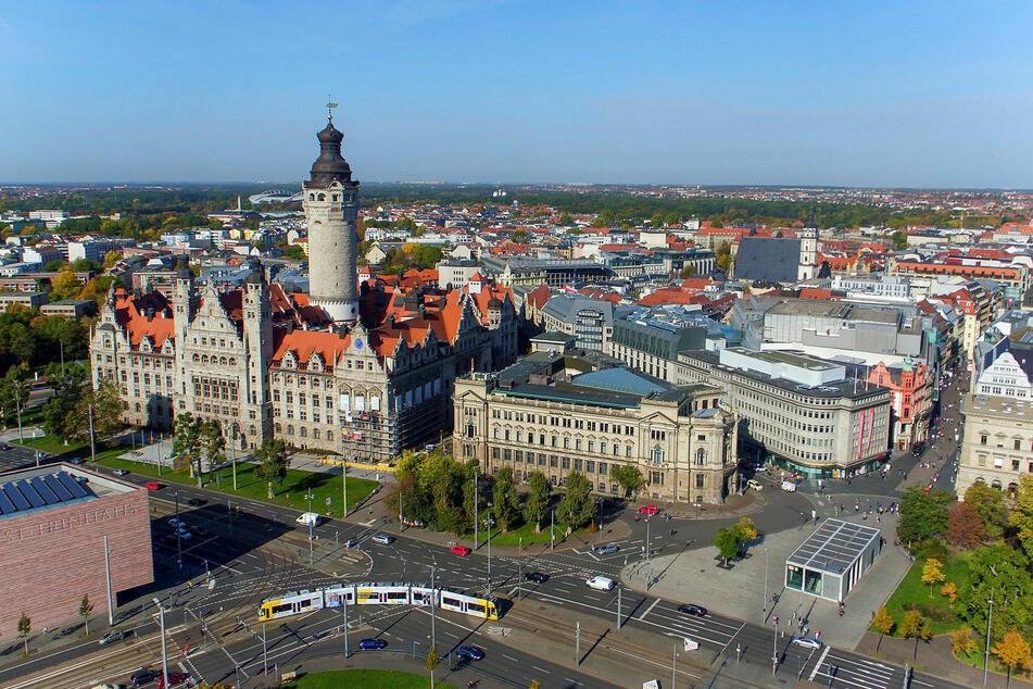 Die Leipziger City aus der Vogelperspektive. Im gesamten Gebiet innerhalb des Rings gilt ab Donnerstag Maskenzwang.