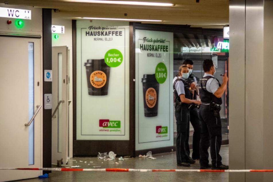Waffe im Spiel? Gruppen streiten sich am Hauptbahnhof, eine Frau muss ins Krankenhaus