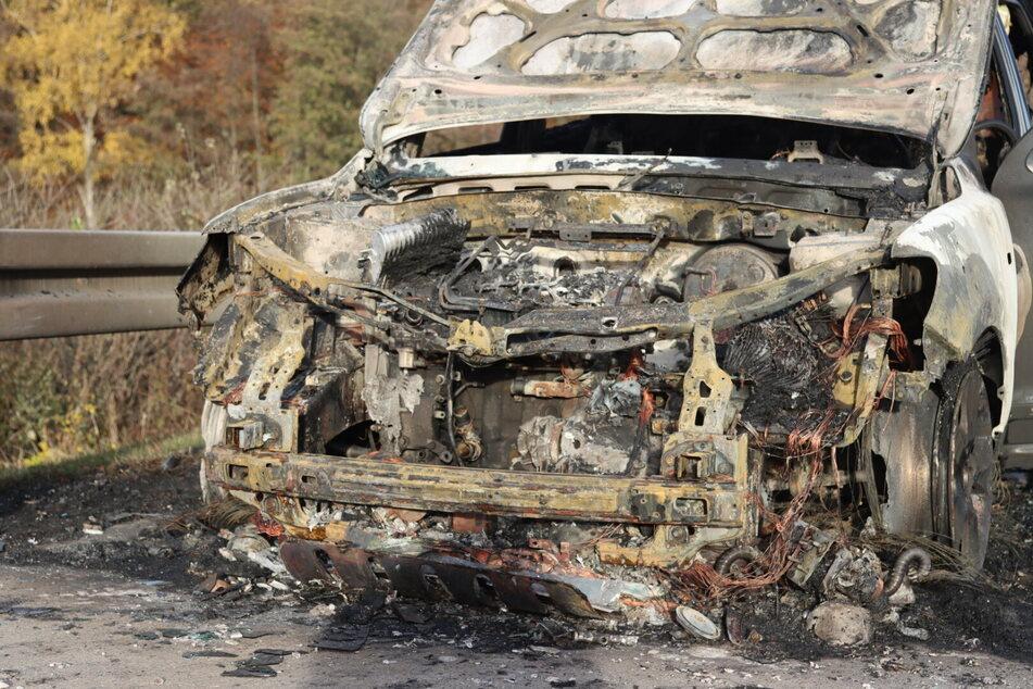 Der Hyundai ging während der Fahrt in Flammen auf.