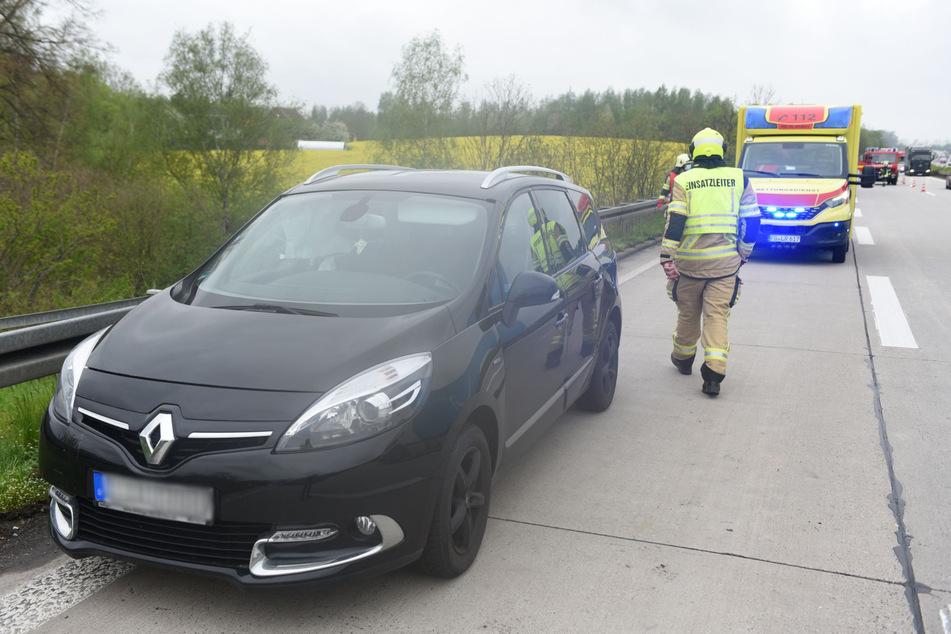 Unfall A14: Unfall auf A14 Höhe Nossen: Renault knallt in Lkw