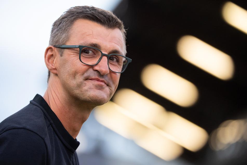 Eintracht Braunschweig vor der Brust: Michael Köllner (51) vom TSV 1860 München will an den 3:0-Erfolg gegen den FC Viktoria Köln anknüpfen.