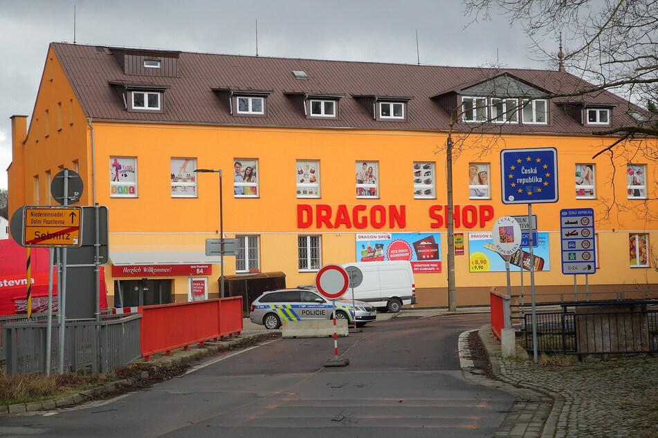 Der Grenzübergang Sebnitz/Dolni Poustevna (CZ) wird nun von der Polizei überwacht.