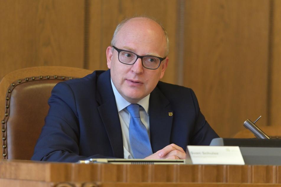 """Für Oberbürgermeister Sven Schulze (49, SPD) ist eine zeitnahe Besetzung der """"Schlüsselpositionen"""" wichtig für das Gelingen des Kulturhauptstadtjahres."""