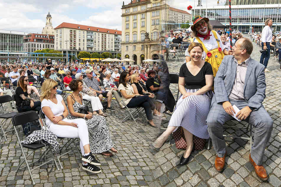 Dresdner Insel-Sommer auf dem Altmarkt gestartet