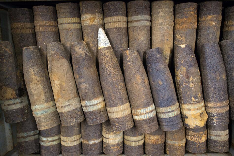 Granataufsätze und Munition von Handfeuerwaffen haben die Experten im Schlick des Flussbetts ausgemacht.