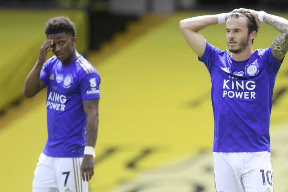 Demarai Gray (l24, ) und James Maddison (23) von Leicester City reagieren während des Spiels.