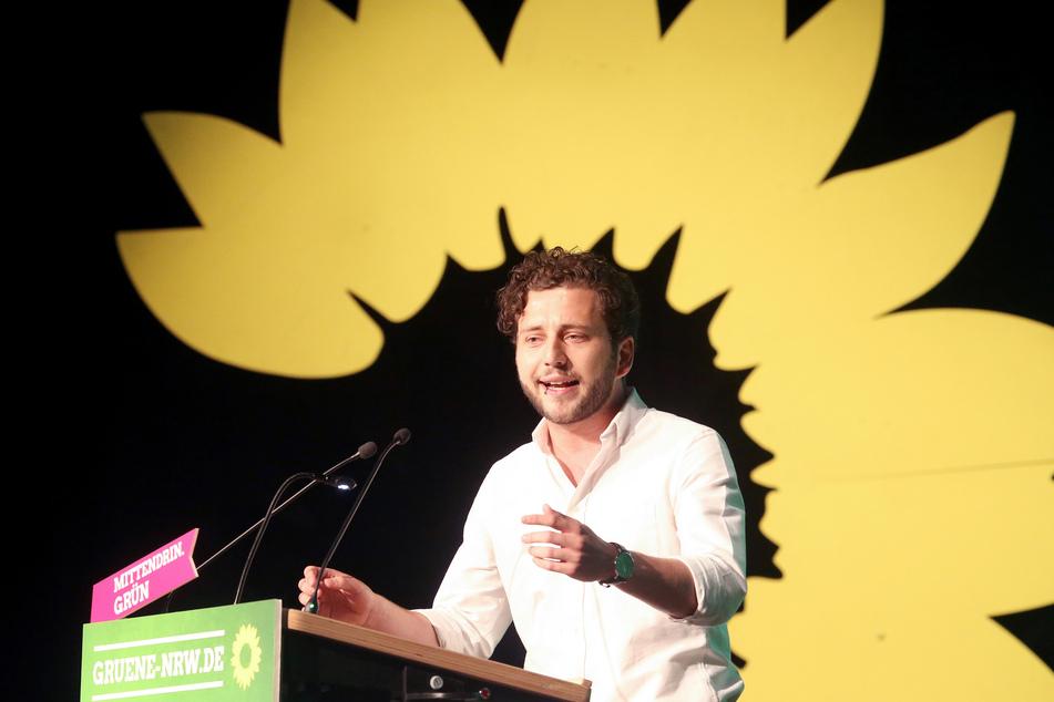 Felix Banaszak (31) von den Grünen in NRW fordert, im Dezember auf Lockerungen von Corona-Maßnahmen zu verzichten.