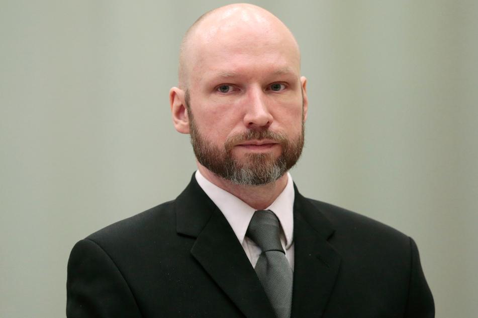 So sah Anders Behring Breivik (42) vor dreieinhalb Jahren aus, als er wegen eines Berufungsprozesses vor Gericht erschien - er forderte damals bessere Haftbedingungen.