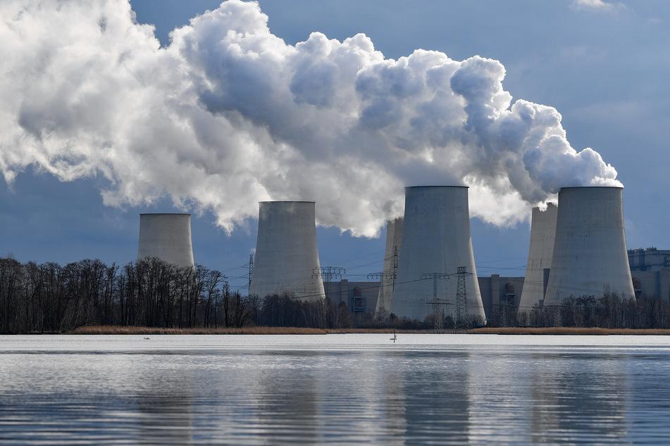 Das Weltwirtschaftsforum (WEF) sieht in der Corona-Pandemie eine ernste Gefahr für den Umstieg auf erneuerbare Energien.