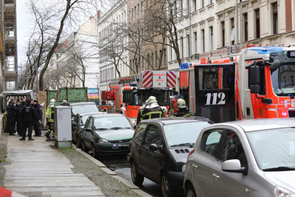 Unbestätigten Informationen zufolge soll der Brand von einem Sofa ausgegangen sein.
