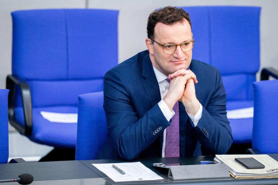 Wird sich Bundesgesundheitsminister Jens Spahn (40) bei Mike Krüger melden? (Archivbild)
