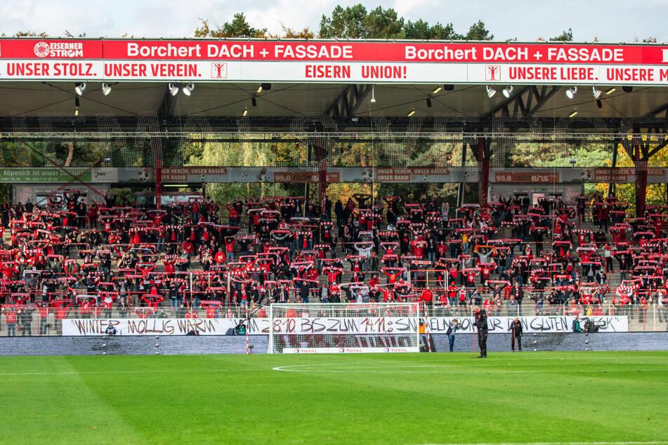 Im Oktober 2020 waren im Spiel gegen den SC Freiburg 4300 Fans im Stadion An der Alten Försterei zugelassen. In der Partie gegen RB Leipzig hofft Union Berlin am Samstag auf die Unterstützung von 2000 Fans.