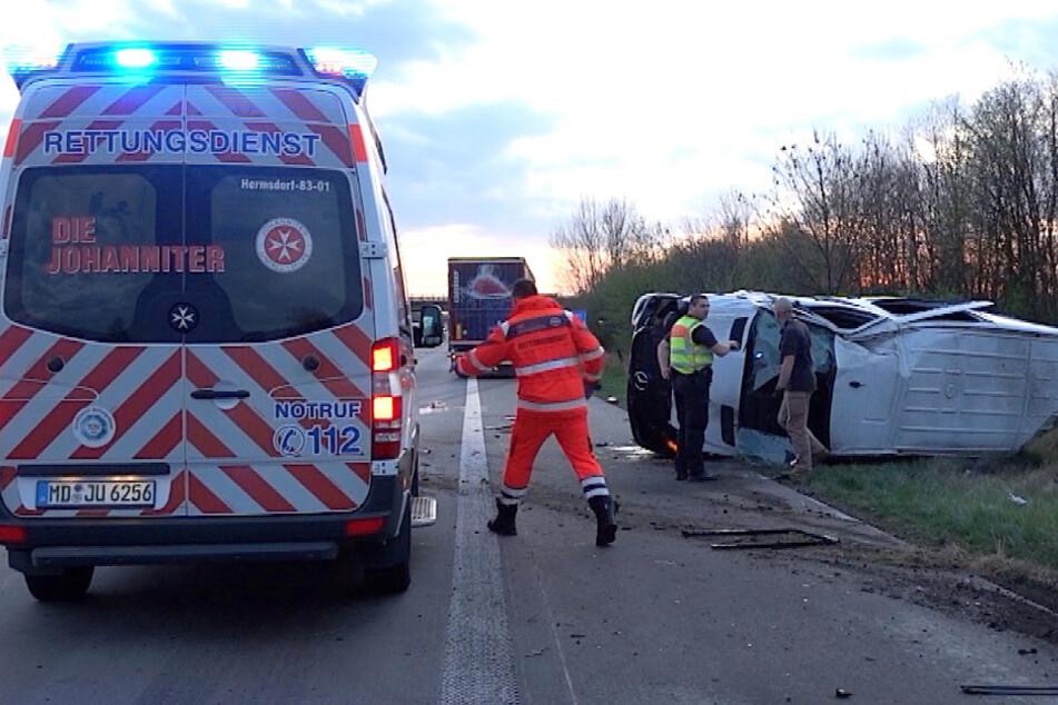 Schwerer Unfall auf der A2: Sechs Verletzte, darunter zwei Kleinkinder