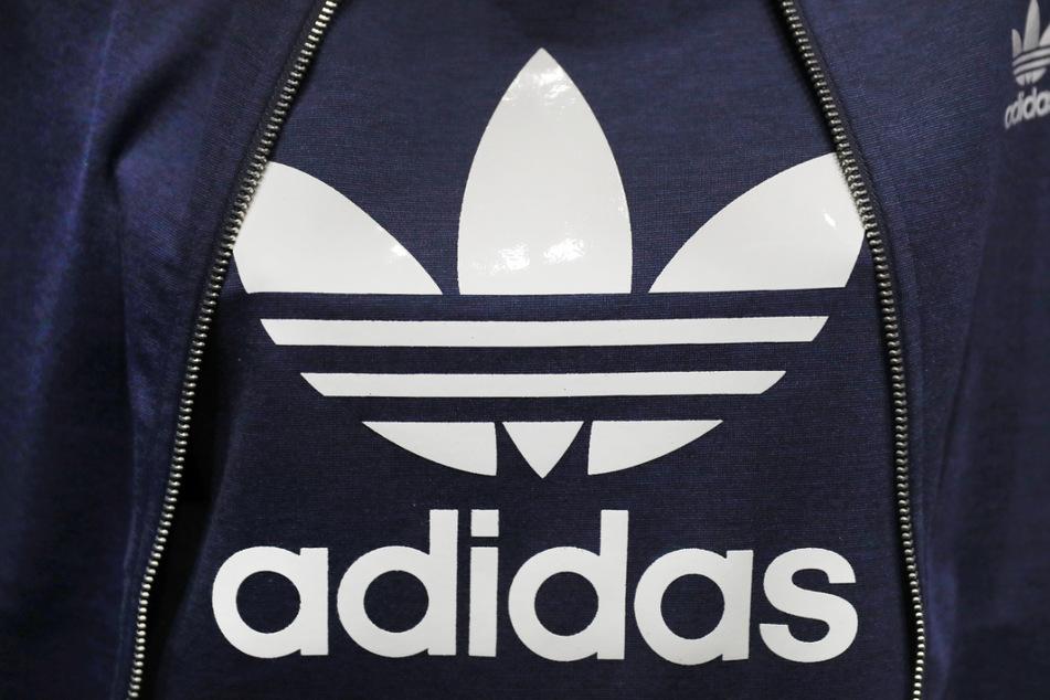 Adidas will mit bequemer Freizeitkleidung richtig Kasse machen.