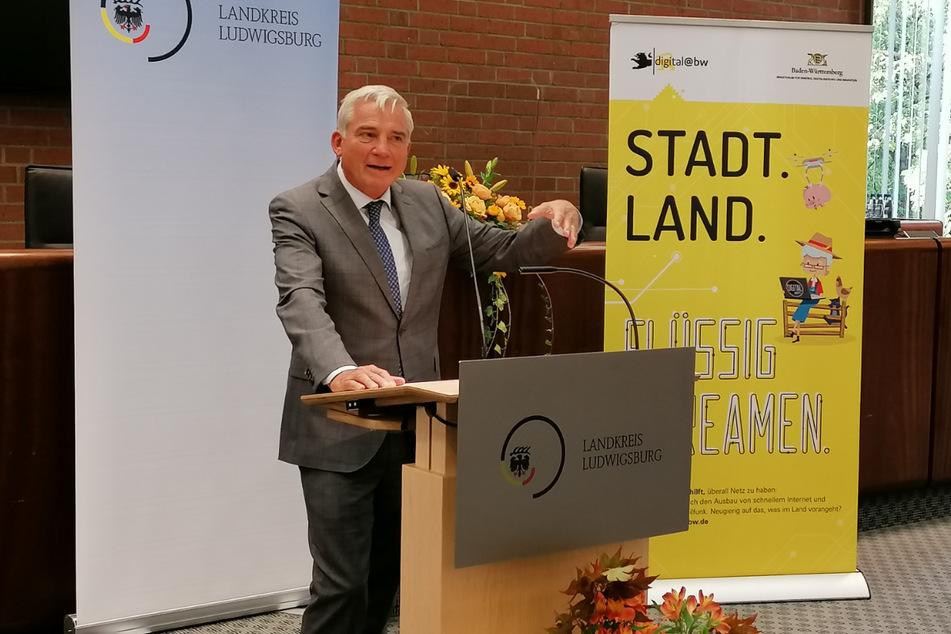 Thomas Strobl (61, CDU) am Dienstag bei der Übergabe von den Förderbescheiden für den Breitbandausbau in Ludwigsburg.